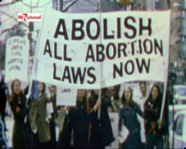 دانلود مستند تحول کلیشه های جنسیتی از مجموعه دهه هفتاد؛ دوران بحران