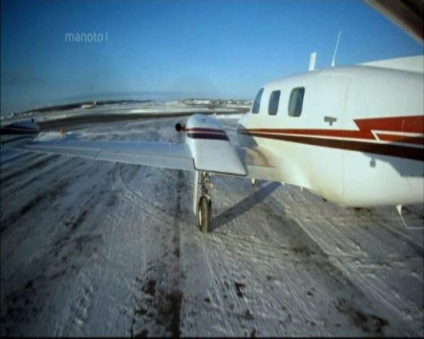 دانلود مستند مشکل در اتاقک خلبان از مجموعه پرواز بی پروا