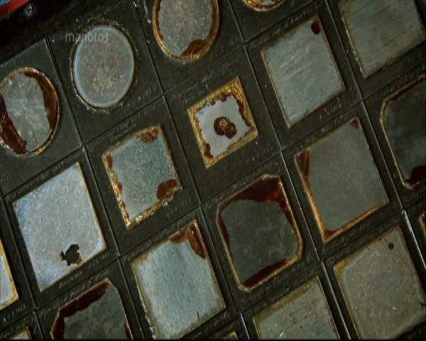 دانلود مستند فلز از مجموعه ماده و ترکیبات دنیای ما