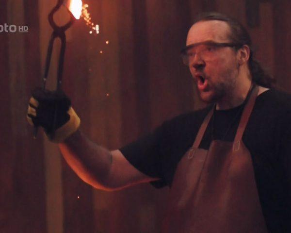 دانلود مستند آهن در آتش با دوبله فارسی شبکه منوتودانلود مستند آهن در آتش با دوبله فارسی شبکه منوتو