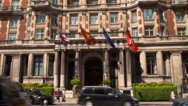 یک-هتل-کاملا-انگلیسی-(۵)