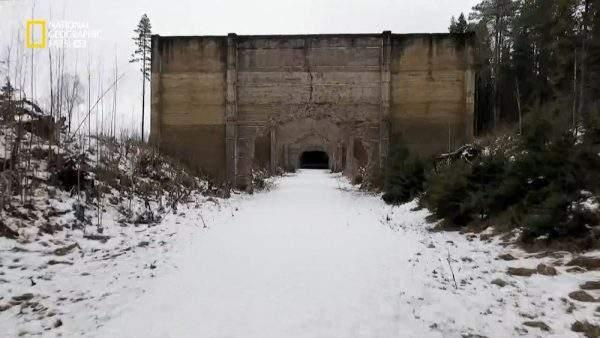 دانلود مستند قلعه شمالی هیتلر با دوبله شبکه نشنال جئوگرافی فارسی از مجموعه ابرسازههای نازی