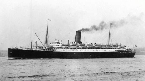 دانلود مستند کشتیهای امداد با دوبله شبکه منوتو از مجموعه داستان کشتی های جنگی