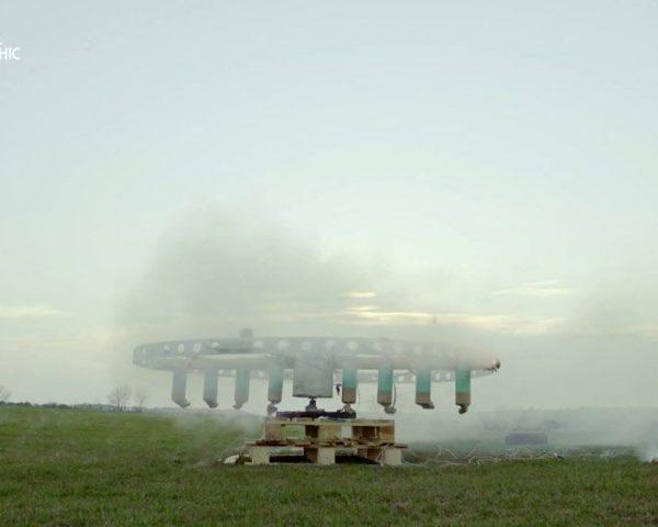 دانلود مستند بادی در برابر قطار با دوبله شبکه نشنال جئوگرافی فارسی از مجموعه انسان در برابر ویروس