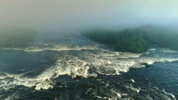 دانلود مستند آمازون از مجموعه رودخانه های عظیم