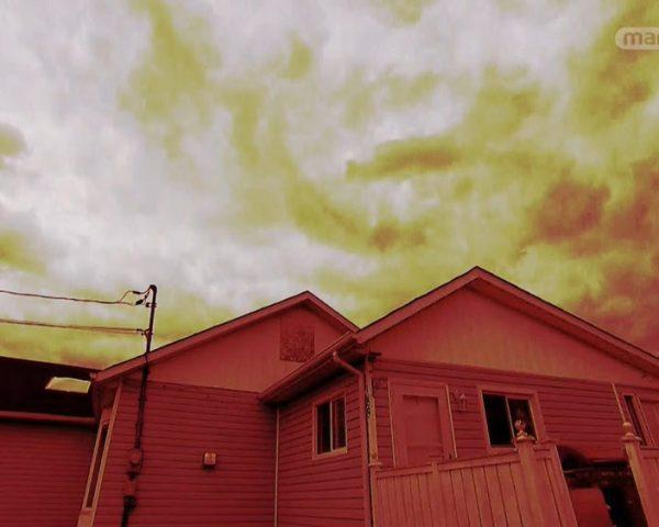 دانلود مستند کلاود و ایوت از مجموعه روح در خانه