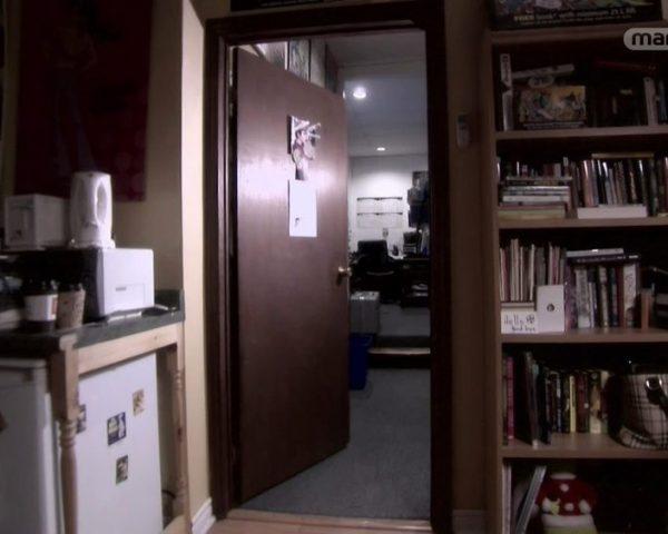 دانلود مستند اد از مجموعه روح در خانه با دوبله شبکه منوتو