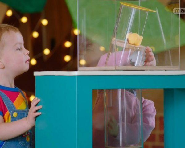 دانلود مستند دنیای شگفت انگیز کودکان - 3 از مجموعه دنیای شگفت انگیز کودکان با دوبله شبکه منوتو