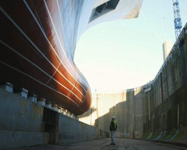 دانلود مستند کابل فولادی و قایق تفریحی از مجموعه سفر ابرکالاها با دوبله شبکه منوتو