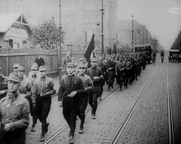 دانلود مستند آتش بس جنگ جهانی اول از مجموعه ویژه برنامه با دوبله شبکه منوتو