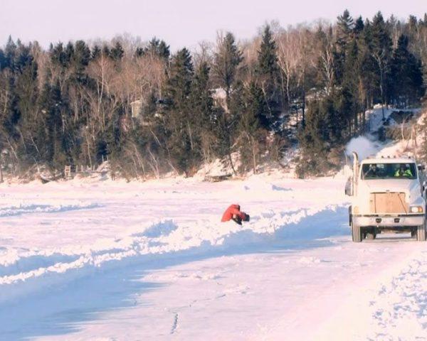 دانلود مستند جدال با یخ سری چهارم - 9 از مجموعه جدال با یخ با دوبله شبکه منوتو