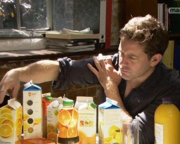 دانلود مستند آب پرتقال و سس مایونز کم چرب از مجموعه دنیای ناشناخته خوراکی ها با دوبله شبکه منوتو