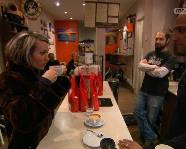 دانلود مستند بدون کافئین، نان و آدامس از مجموعه دنیای ناشناخته خوراکی ها با دوبله شبکه منوتو