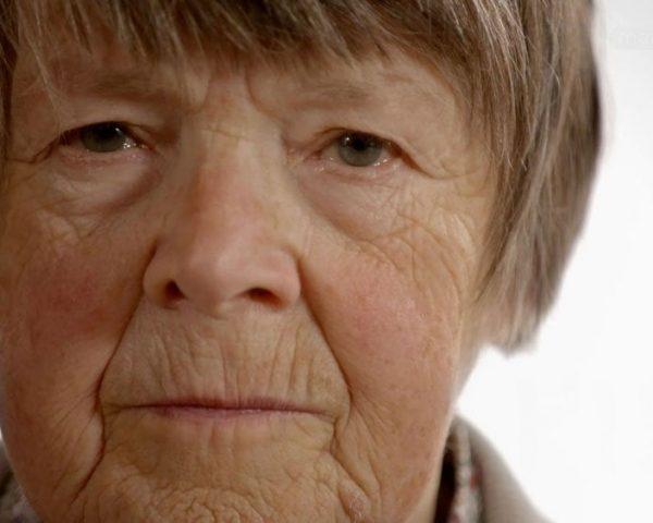 دانلود مستند مهد کودک خانه سالمندان - 2 از مجموعه مهد کودک خانه سالمندان با دوبله شبکه منوتو