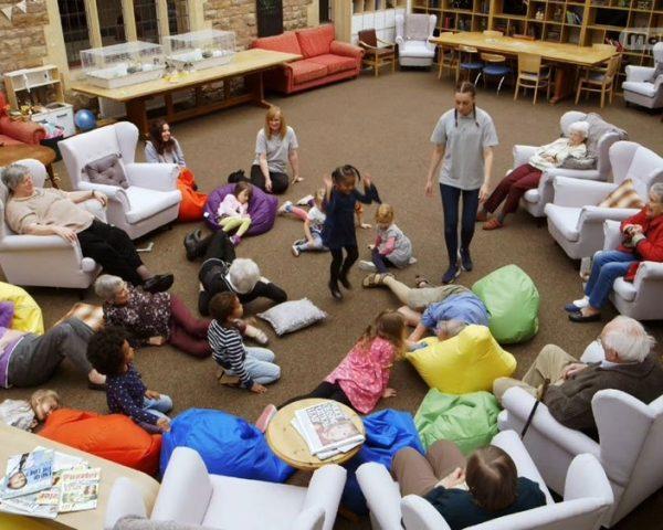 دانلود مستند مهد کودک خانه سالمندان - 4 از مجموعه مهد کودک خانه سالمندان با دوبله شبکه منوتو