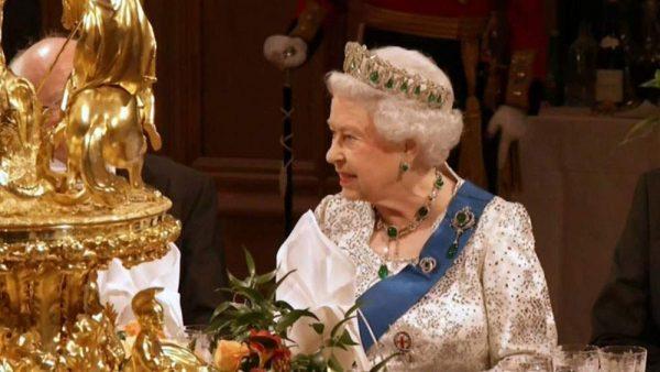 دانلود مستند هزینه های پنهان خانواده سلطنتی از مجموعه ویژه برنامه با دوبله شبکه منوتو