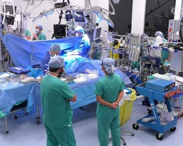 دانلود مستند جراحی قلب باز از مجموعه اتاق عمل با دوبله شبکه منوتو